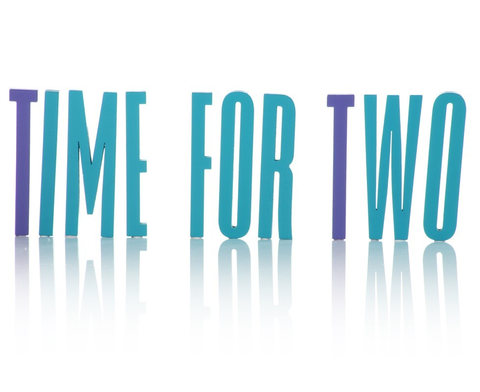 "Letras de madera: ""Time for two"""