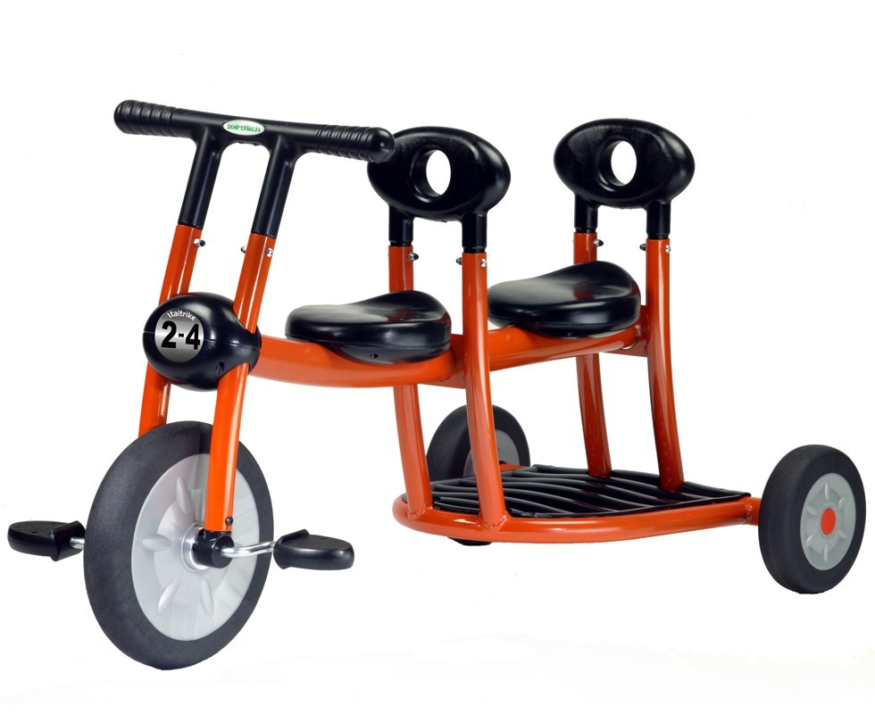 Triciclo gemelar Pilot con pedales naranja