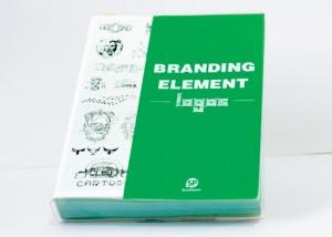 tot-a-lot en branding element